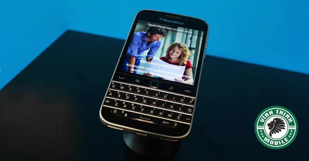 suachuavinhthinh-thay-mat-kinh-blackberry-classic