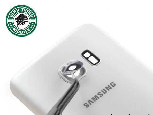 vinhthinhmobile-luu-y-thay-kinh-camera-samsung-s7-edge