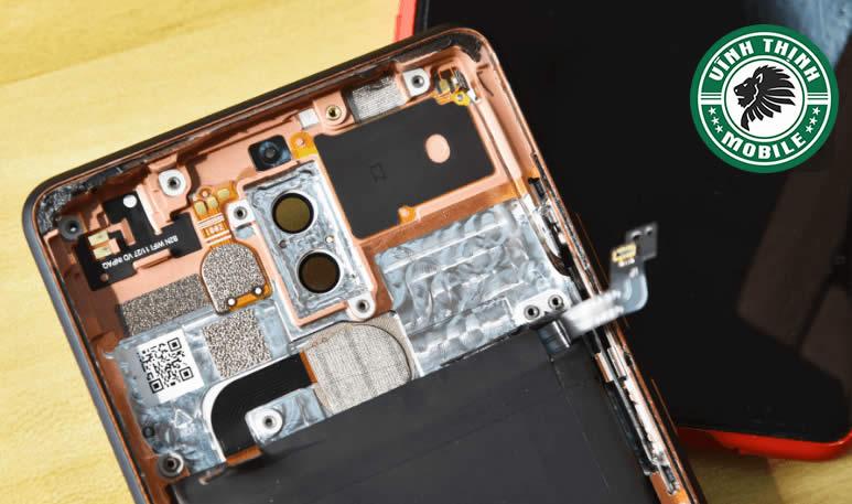 Lưu ý thay mặt kính camera Nokia 7 Plus