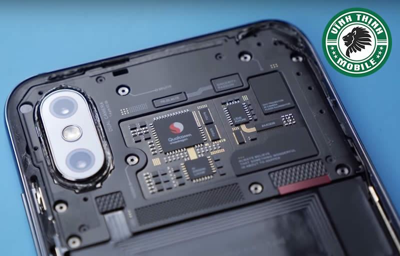 Lưu ý thay mặt kính camera Xiaomi Mi 8