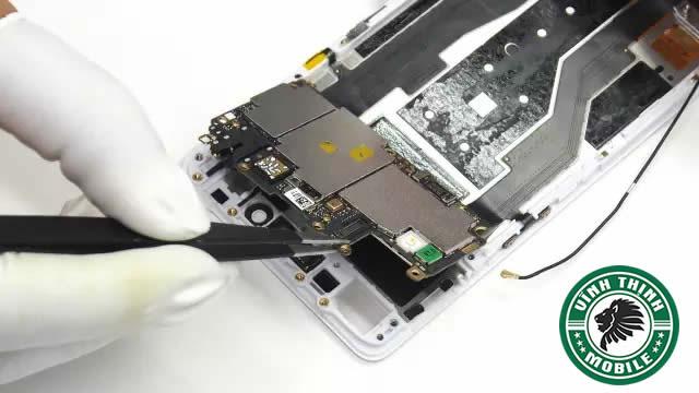 Vì sao TTBH chính hãng không bao giờ nhận thay ổ cứng Oppo ?