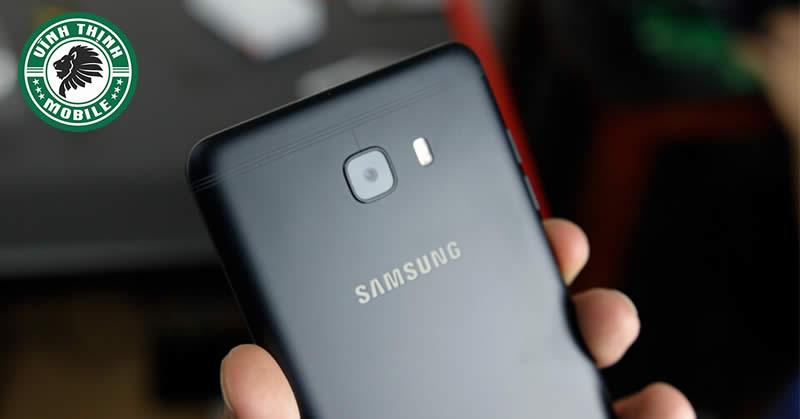 Thay mặt kính camera Samsung Galaxy C9 Pro