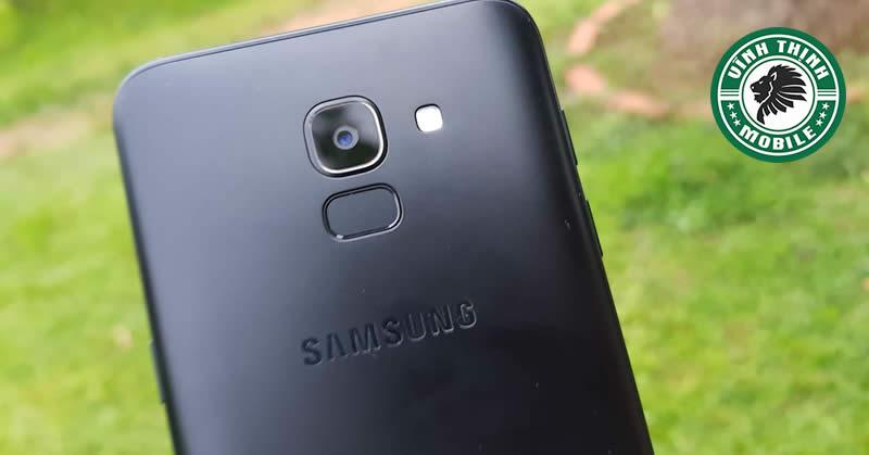 Thay mặt kính camera Samsung Galaxy J6