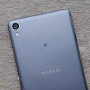 Thay mặt kính camera Sony XA- Sony XA Ultra