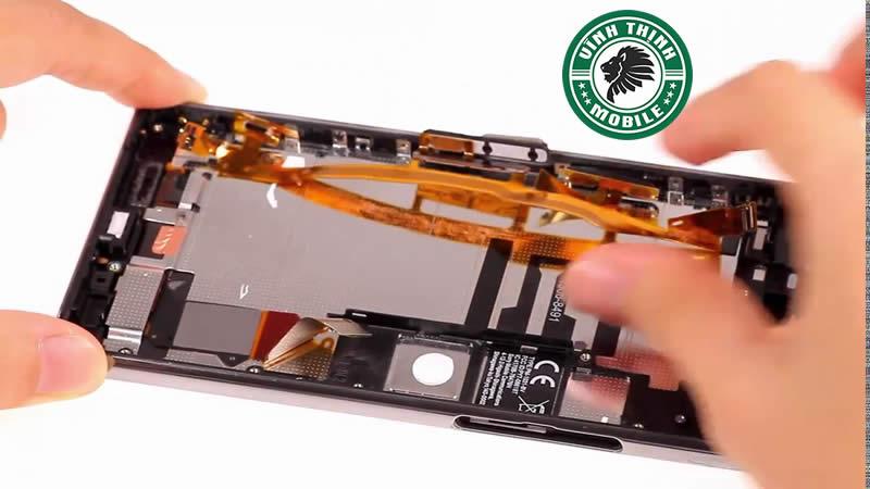 Những lưu ý cần biết khi thay pin Sony XZ Premium