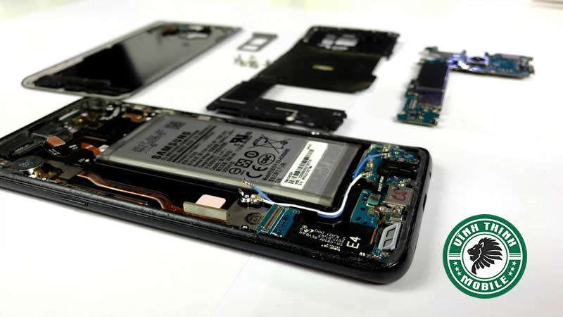Giải pháp sửa Samsung S8, S8 Plus, Note 8 báo bị ẩm cổng sạc