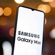 Thay mặt kính Samsung Galaxy M20 bị đơ cảm ứng : Có hay không ?