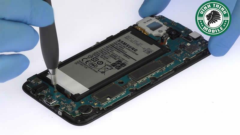 Lưu ý sửa điện thoại Samsung Galaxy J7 Pro mất nguồn