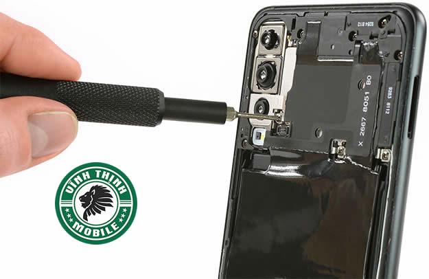 Lưu ý thay mặt kính camera Huawei P20 Pro