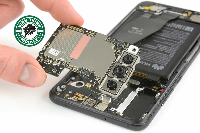 Những lưu ý hữu ích khi thay mặt kính Huawei P30 Lite