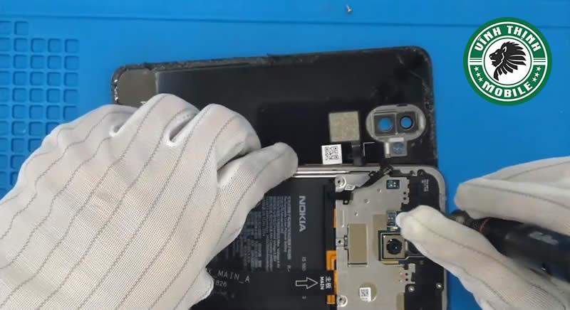 Lưu ý thay pin Nokia X7 ?