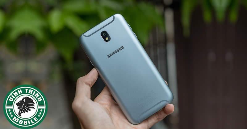 Sửa Samsung Galaxy J7 Pro lỗi sạc