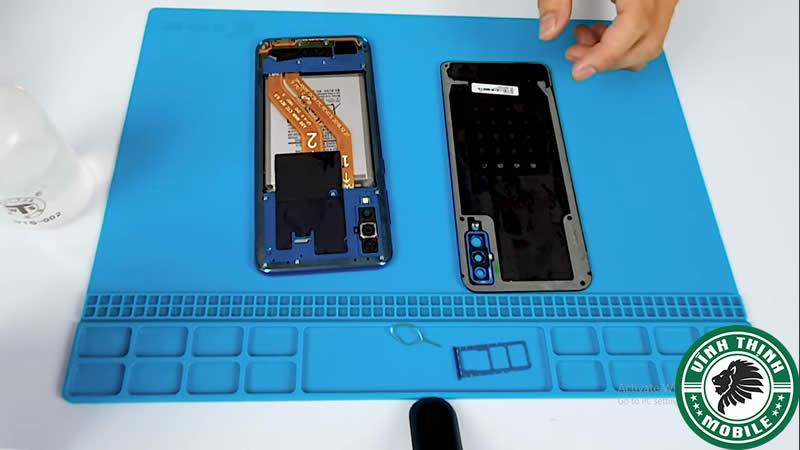 Lưu ý thay nắp lưng Samsung Galaxy A50
