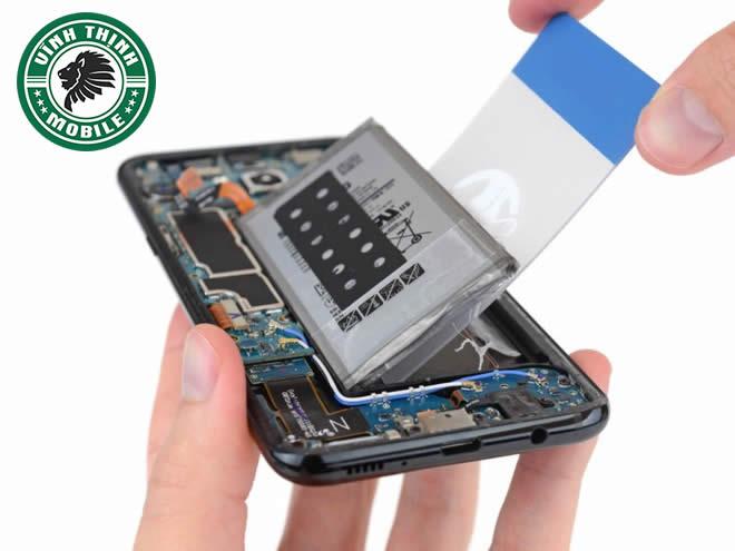 Lưu ý sửa Samsung Galaxy S8, S8 Plus vào nước
