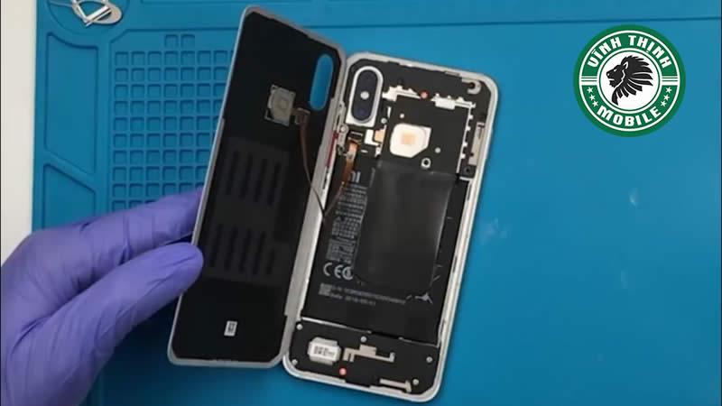 Lưu ý thay chân sạc Xiaomi Mi 8