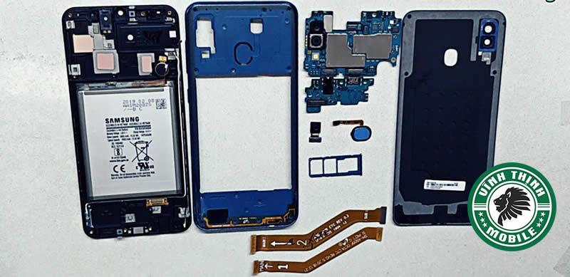 Giải pháp sửa Samsung Galaxy A30 báo ẩm cổng sạc