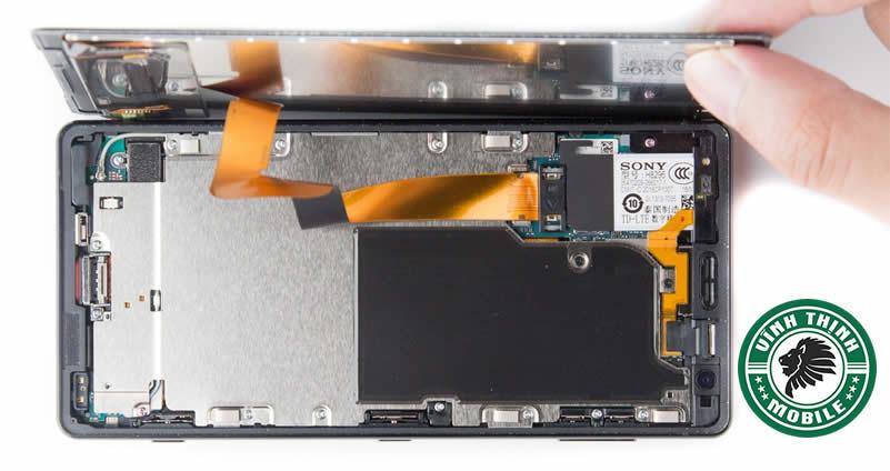 Chia sẻ kinh nghiệm sửa điện thoại Sony vô nước