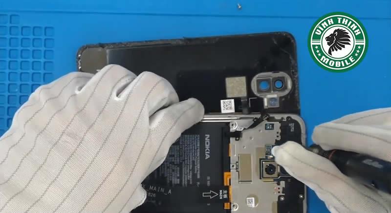 Nguyên nhân Nokia 8.1 lỗi chân sạc ?