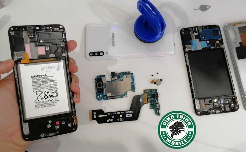 Làm sao thay màn hình Samsung Galaxy A70 đạt chất lượng cao nhất