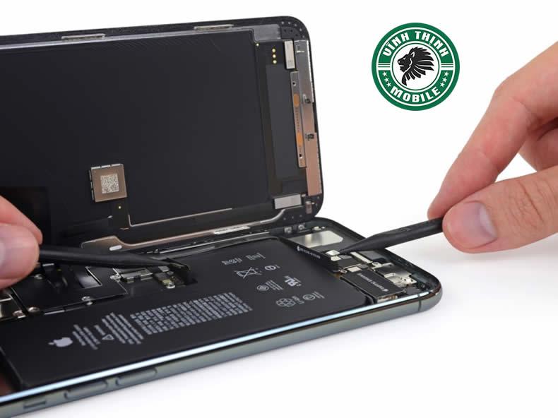 Thay mặt kính iPhone 11 Pro Max chính hãng ở đâu