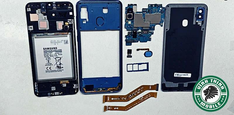 Lưu ý thay pin Samsung Galaxy A30 ?