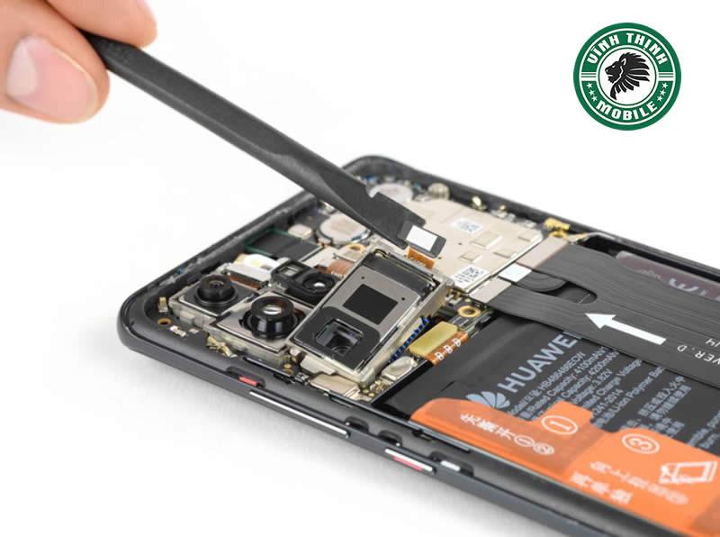 Lưu ý thay mặt kính camera Huawei P30 Pro