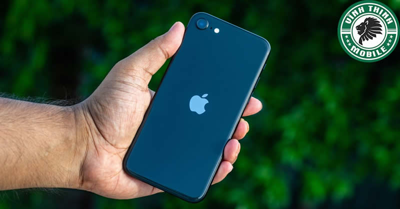 Thay pin iPhone SE 2020 tại Sửa chữa Vĩnh Thịnh