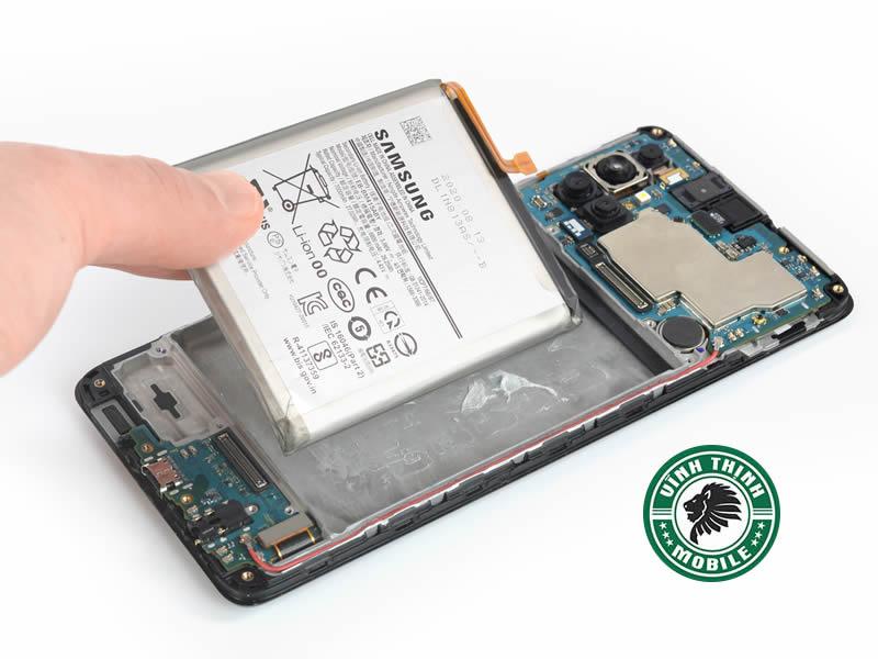 Lưu ý thay pin Samsung Galaxy M51 chính hãng ?