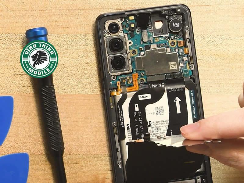 Lưu ý thay nắp lưng Samsung Galaxy S21
